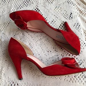 🎉HP🎉 Isaac Mazrahi Pretty Red heels 10